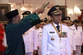 Nurdin Abdullah saat Dilantik. Foto: Okezone